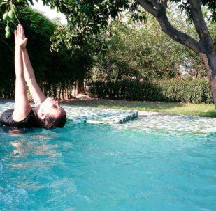 Yoga in the dip pool